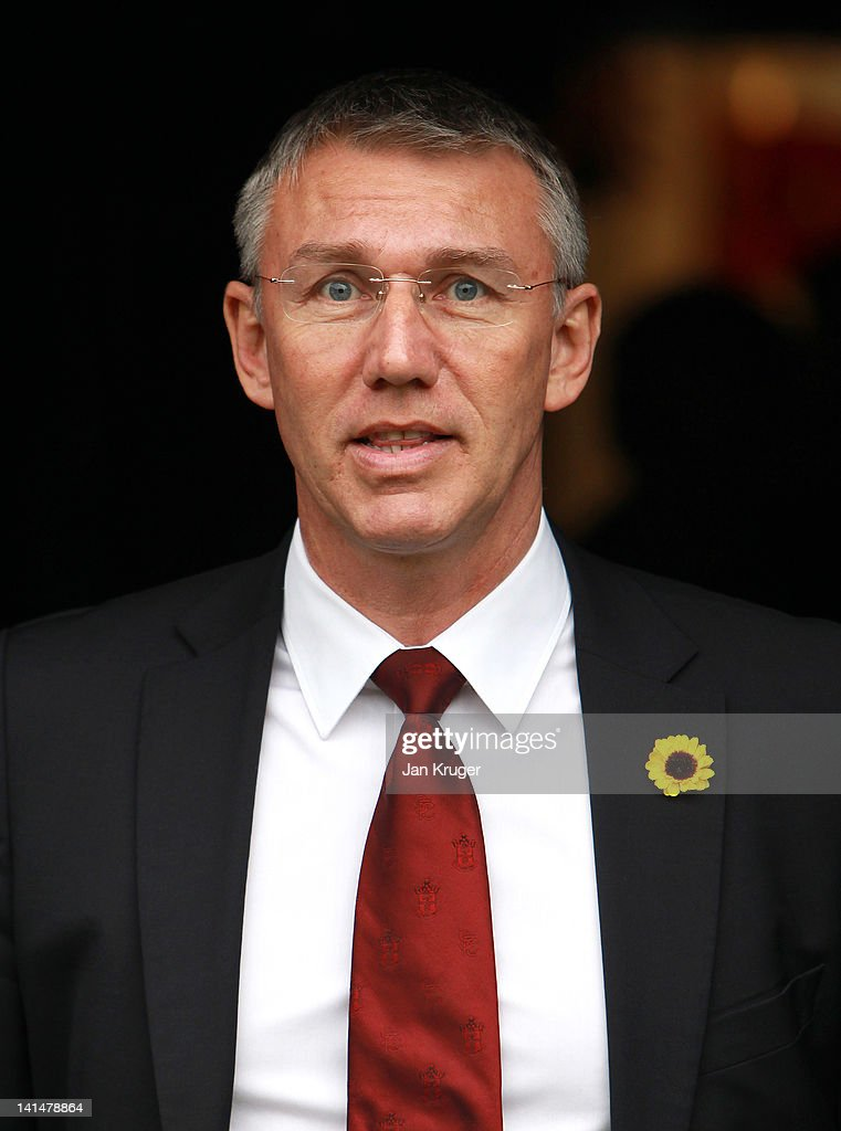 https://media.gettyimages.com/photos/nigel-adkins-manager-of-southampton-looks-on-prior-to-kick-off-during-picture-id141478864