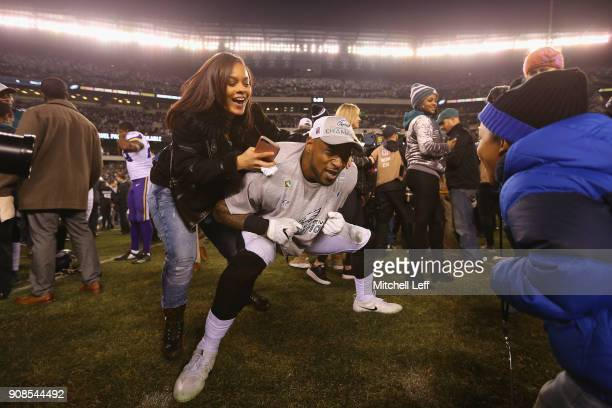 Nigel Bradham of the Philadelphia Eagles celebrates his teams win over the Minnesota Vikings with his family in the NFC Championship game at Lincoln...