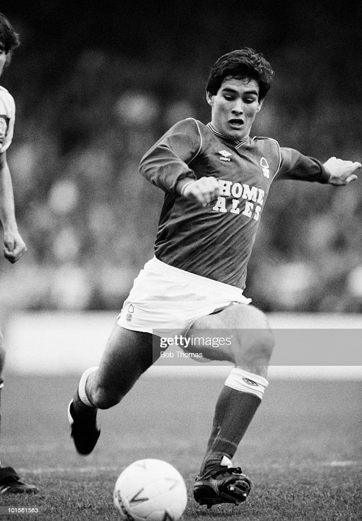 Nigel Clough of Nottingham Forest in action against Queens Park Rangers in a Division One football match held at The City Ground, Nottingham on 18th October 1986. Nottingham Forest beat Queens Park Rangers 1-0. (Bob Thomas/Getty Images).