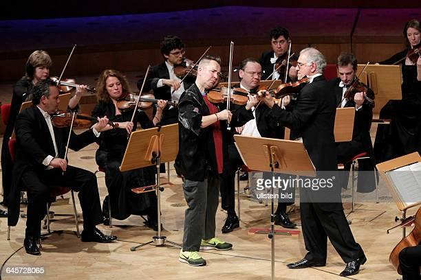 Nigel Kennedy leitet die Russische Kammerphilharmonie St Petersburg Philharmonie Köln