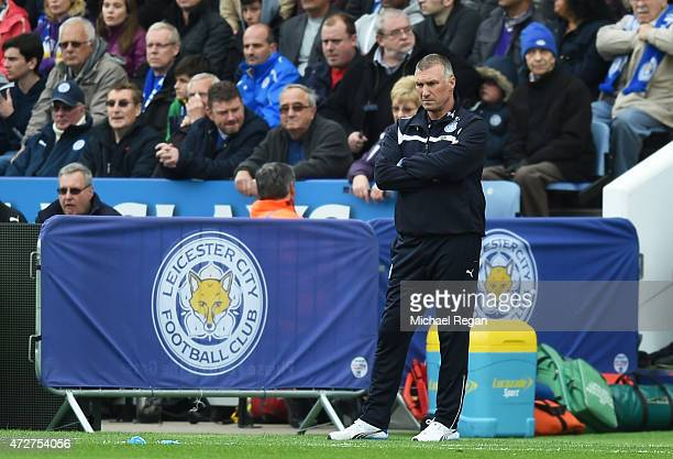Nigel Pearson manager of Leicester City looks on during the Barclays Premier League match between Leicester City and Southampton at The King Power...