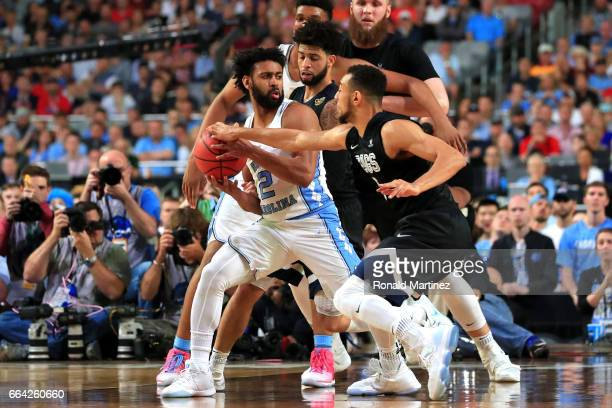 Nigel WilliamsGoss of the Gonzaga Bulldogs and Joel Berry II of the North Carolina Tar Heels compete for the ball in the second half during the 2017...
