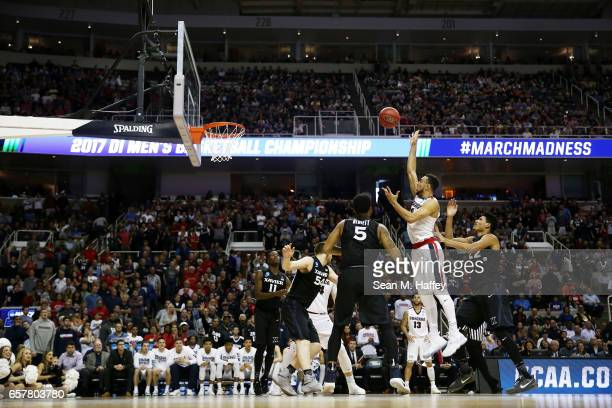 Nigel WilliamsGoss of the Gonzaga Bulldogs goes up against the Xavier Musketeers during the 2017 NCAA Men's Basketball Tournament West Regional at...