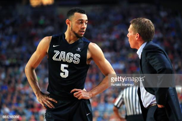 Nigel WilliamsGoss speaks with head coach Mark Few of the Gonzaga Bulldogs against the North Carolina Tar Heels during the 2017 NCAA Men's Final Four...