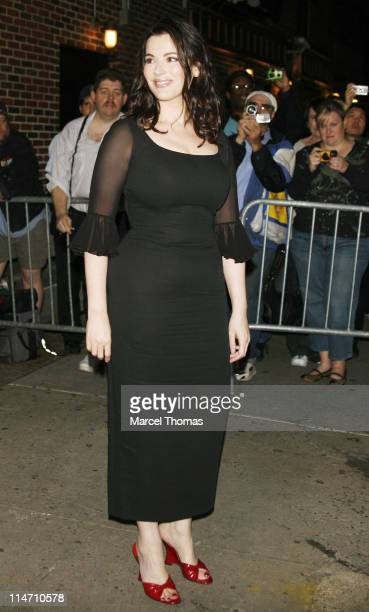 Nigella Lawson during Amanda Peet and Nigella Lawson Depart from 'The Late Show with David Letterman' September 27 2006 at The Ed Sullivan Theater in...