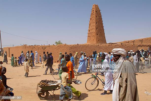Niger, Agadez, people outside The Great Mosque