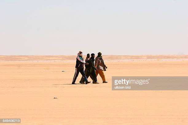 Niger Assamakka Pedestrians between the Nigerien border station Assamakka and the Algerian border post InGuezzam