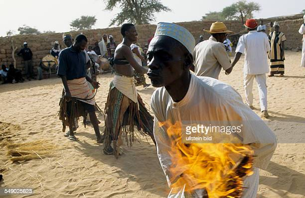 Ethnie Hausa Hauka cult priest and fetish Hauka is a Hausa word meaning madman or manic This is a man possessed by a Hauka spirit burning his own...