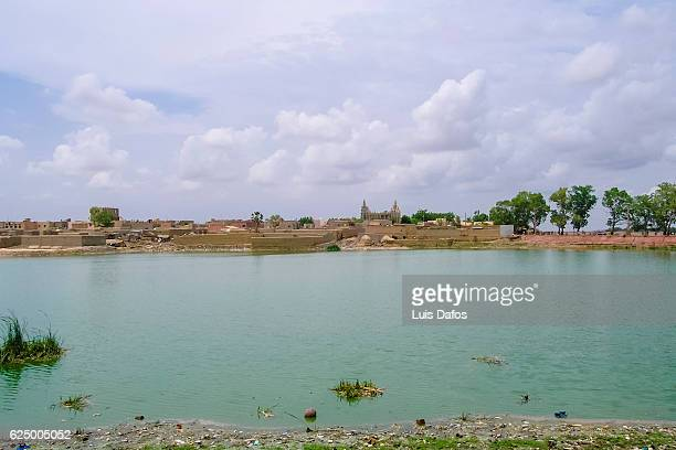 Niger river and Mopti mosque