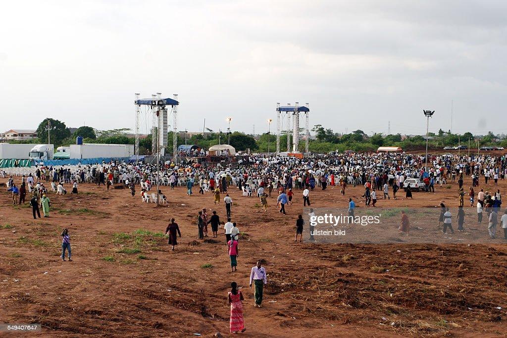 Nigeria: evangelical meeting with Reinhard Bonnke : News Photo
