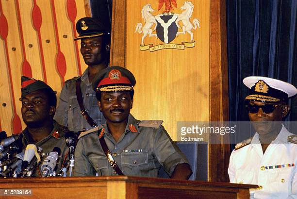 Nigerian Federal Leader Major General Yakubu Gowon addresses a press conference in Lagos January 22nd