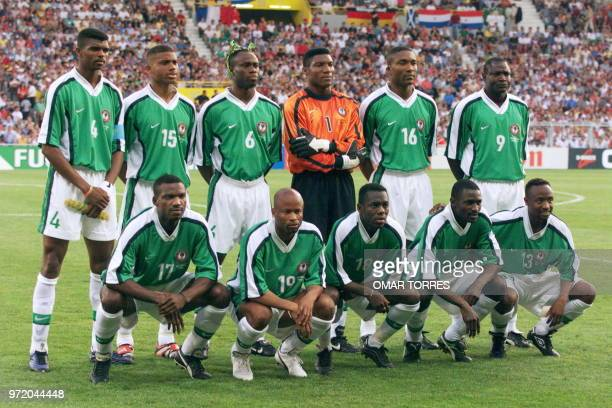 Nigerian players pose for the official team picture 24 June at the Stadium in Toulouse south of France before their 1998 Soccer World Cup third Group...