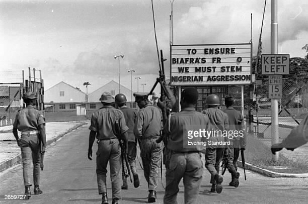 Nigerian troops entering Port Harcourt after routing Biafran troops during the Biafran War
