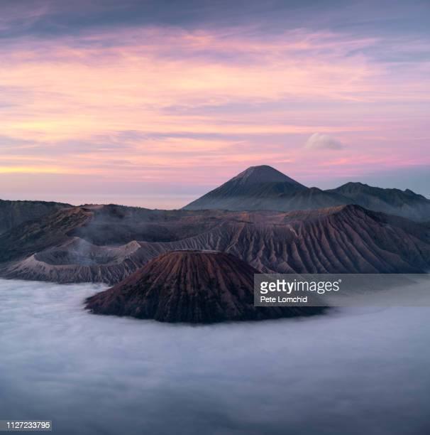 night at bromo volcano - bromo tengger semeru national park stock pictures, royalty-free photos & images