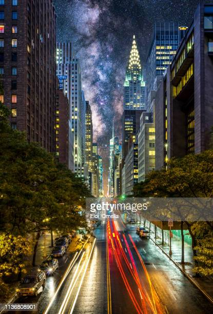 night at east 42nd street in nyc, manhattan, new york - midtown manhattan stock pictures, royalty-free photos & images
