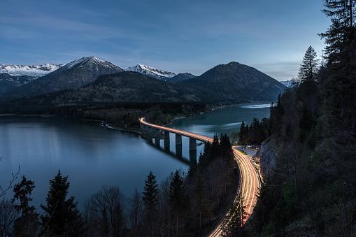 Night at lake Sylvensteinspeicher - gettyimageskorea
