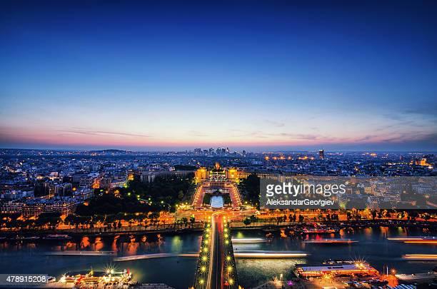 Oiseaux de nuit, vue sur Paris et la Seine depuis la tour Eiffel