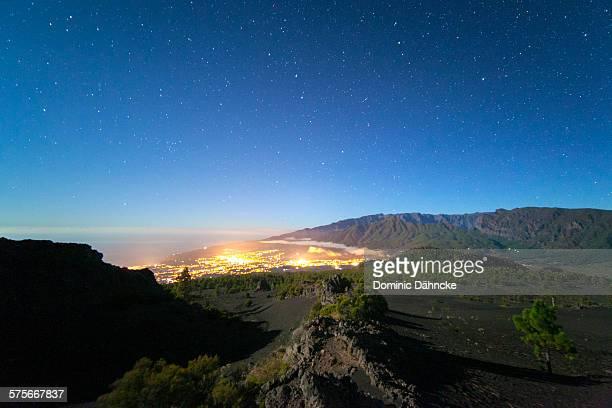 night canarian landscape - dähncke fotografías e imágenes de stock