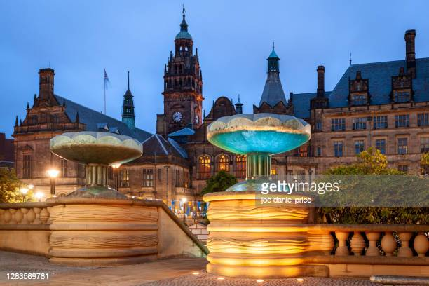 night, city hall, sheffield, england - sheffield stock pictures, royalty-free photos & images