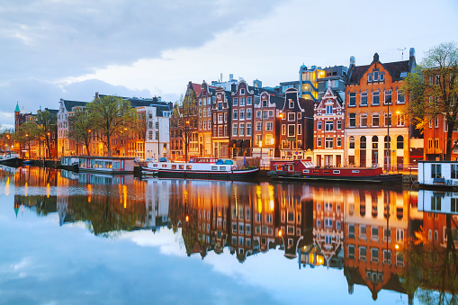 Night city view of Amsterdam, the Netherlands 477307170