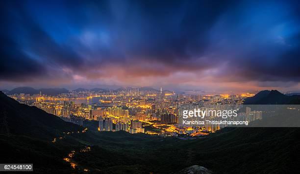 night cityscape - paisajes de hongkong fotografías e imágenes de stock
