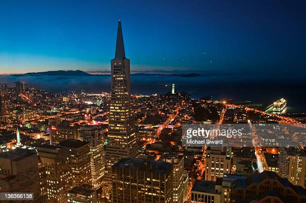 night falls on san francisco - michael siward stock pictures, royalty-free photos & images