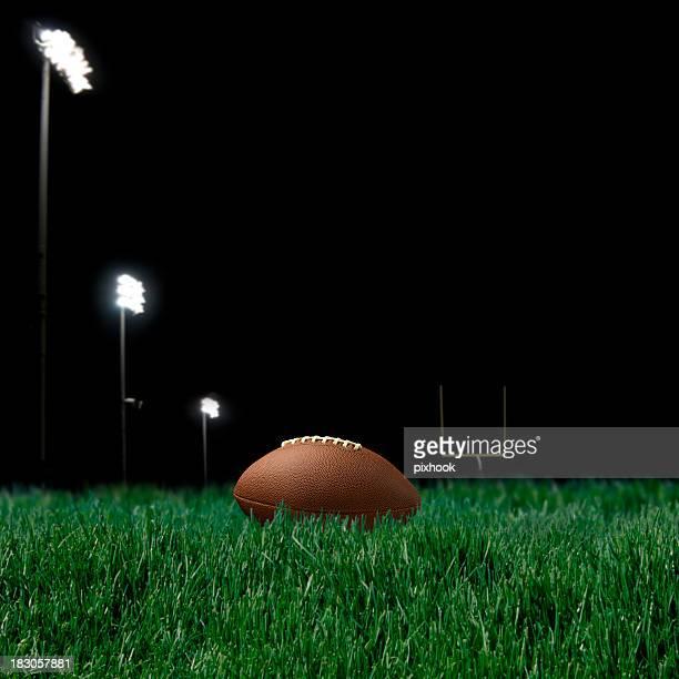 ナイトゲーム - アメリカンフットボールのフィールドゴール ストックフォトと画像