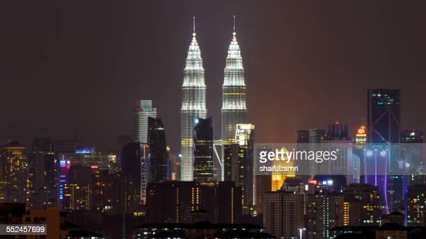 night in klcc - shaifulzamri stock pictures, royalty-free photos & images