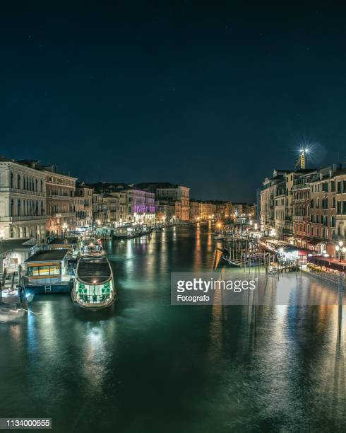 night landscape in venice italy - luogo d'interesse stock pictures, royalty-free photos & images