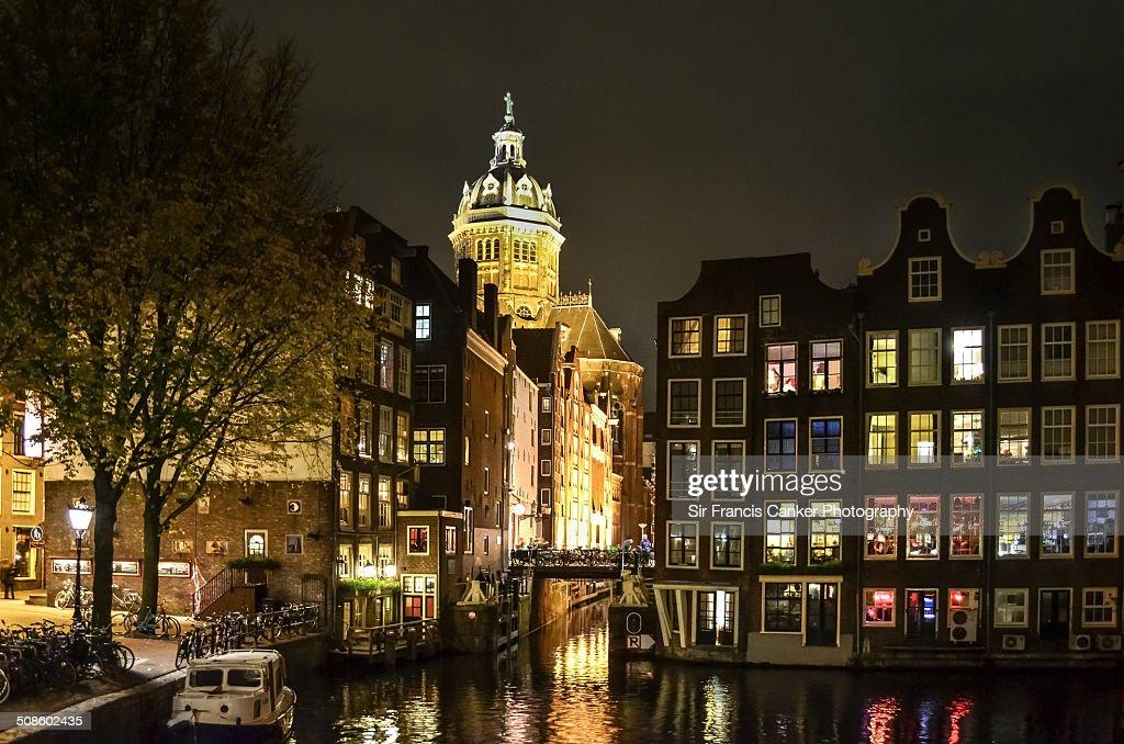Night lights contrasts, transgression in Amsterdam : Foto de stock