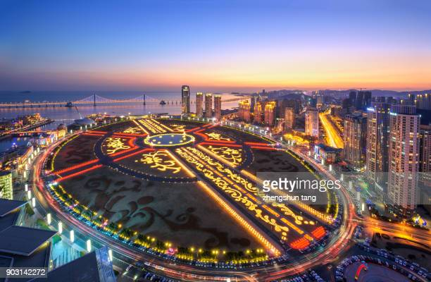 night of xinghai square. - liaoning province stock pictures, royalty-free photos & images