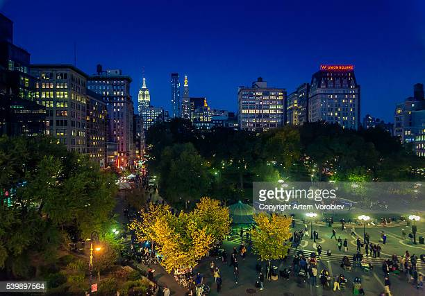 night over manhattan - union square new york city stock pictures, royalty-free photos & images