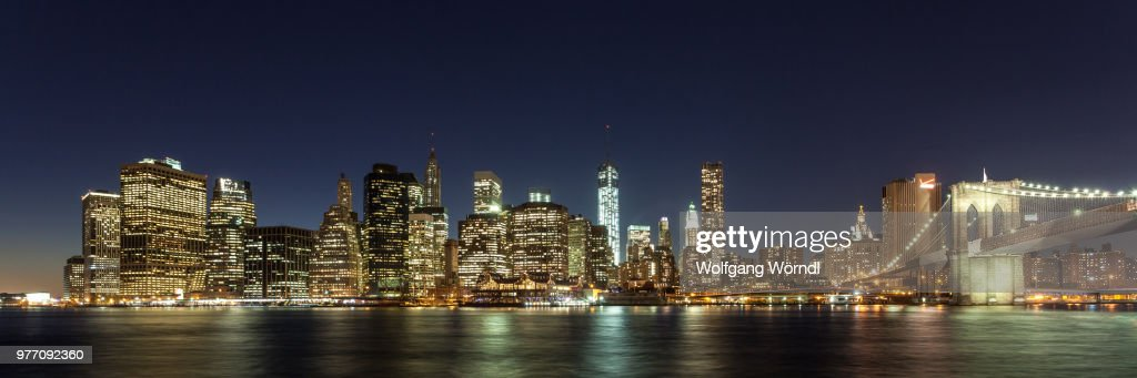 Night panorama of Lower Manhattan, New York City, New York State, USA : Stock-Foto