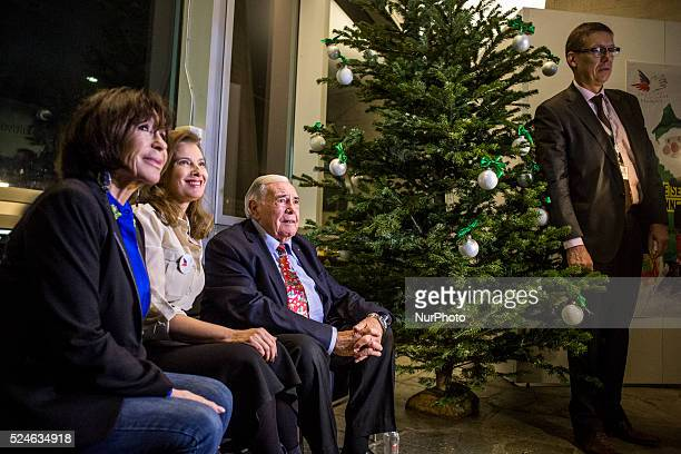 A night party was organised for the 70 years of the franch NPO at the UNESCO buiding in Paris on December 8 2014 The falous green father christmas...
