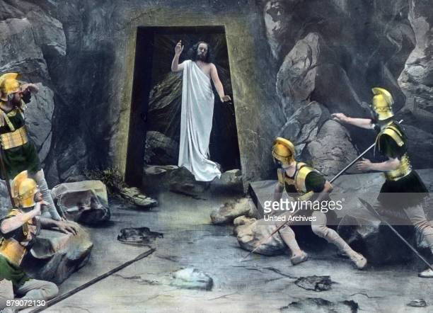 A night passed one day and one night Da Loud noise is heard The grave stone is overturned The guards fall to the ground and escape Christ rises...