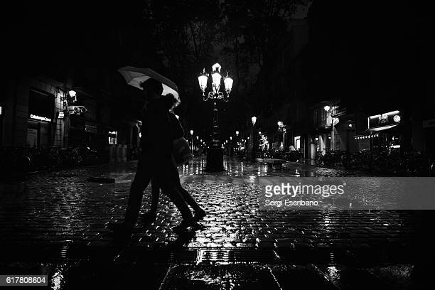 night rain scene - film noir style stock pictures, royalty-free photos & images