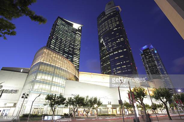 night scene in shanghai, nanjin road - nanjing road stock pictures, royalty-free photos & images