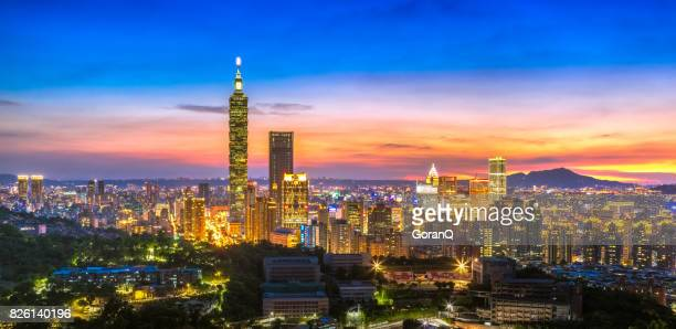 night scenes of the taipei city, taiwan - taipei stock pictures, royalty-free photos & images