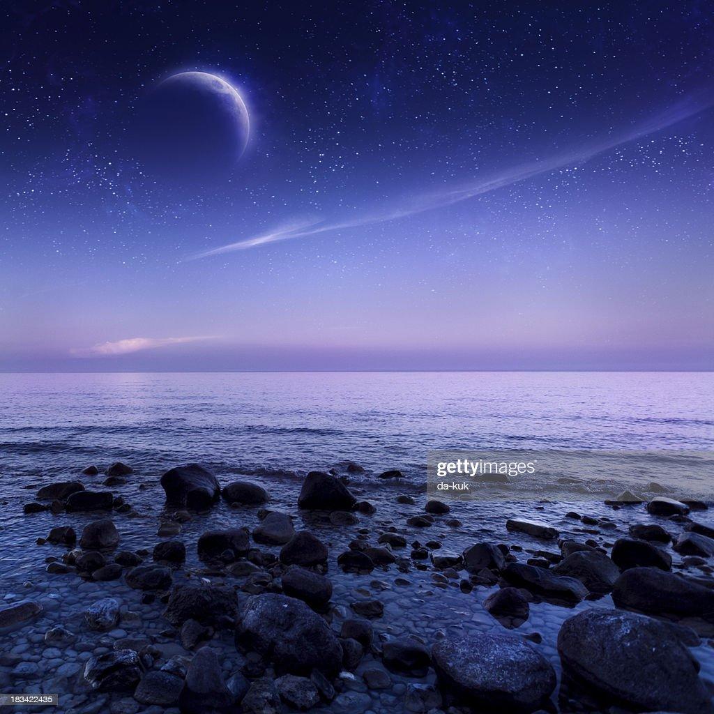 夜の海 : ストックフォト