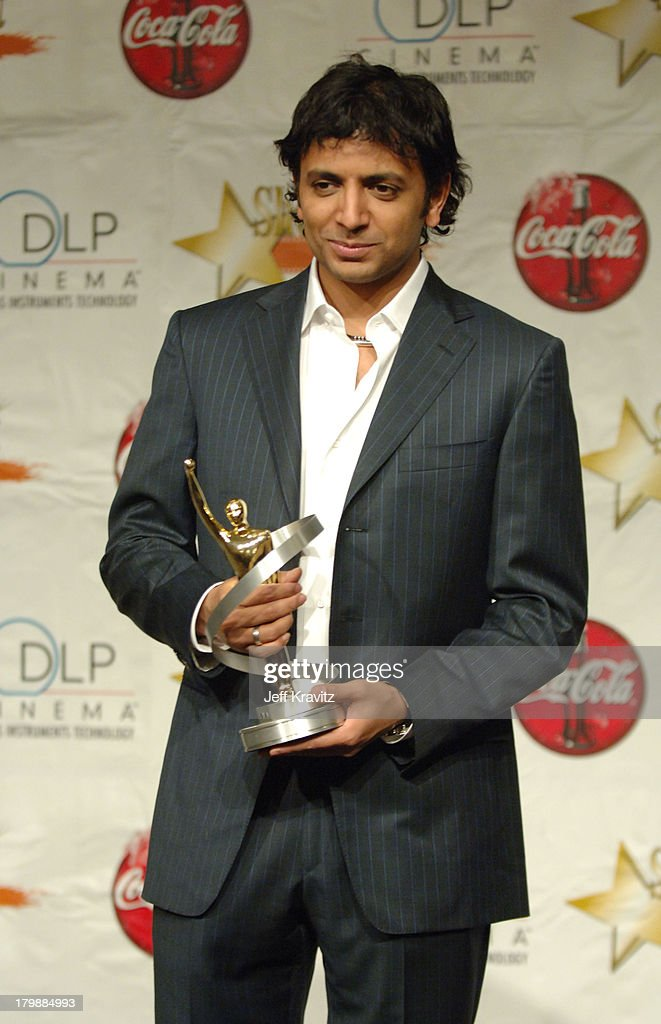 M  Night Shyamalan, Director of the Year during 2006 ShoWest