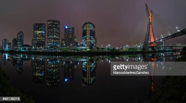 night skyline with buildings in sao paulo, brazil - são paulo city stock pictures, royalty-free photos & images