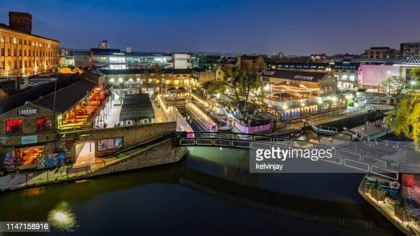 夜の時間アリエル・ビューオーバーカムデン・ロック, ロンドン - カムデンロック ストックフォトと画像