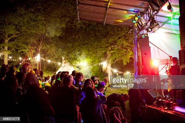 night time at a live music event - folk music stock pictures, royalty-free photos & images