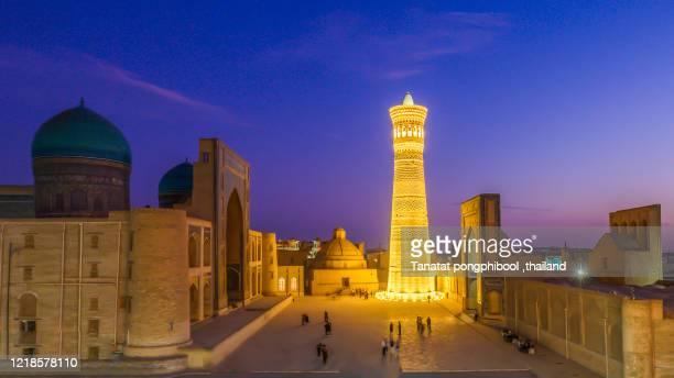 night time the city of bukhara, historic silk road, uzbekistan - oezbekistan stockfoto's en -beelden