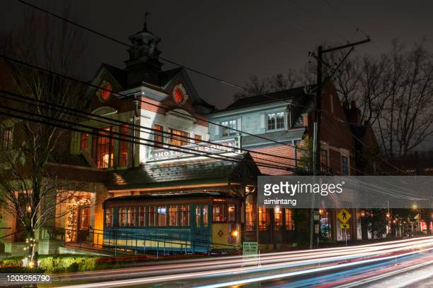night traffic in front of hotel fiesole on route 73 in skippack township - montgomery county pennsylvania stock pictures, royalty-free photos & images