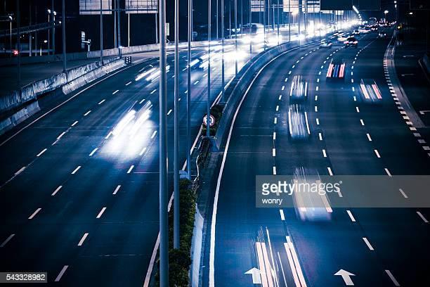 Nacht-Verkehr in der Stadt