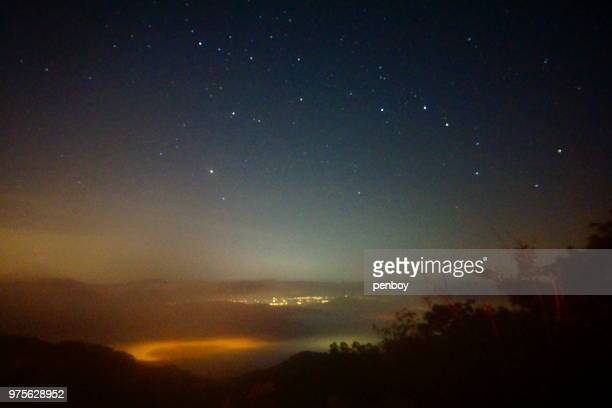 night view from cho kyung-chul observatory - grande carro costellazione foto e immagini stock