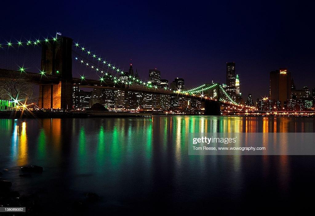 Night view of Brooklyn Bridge : Stock Photo