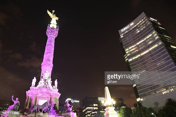 Night view of El Angel