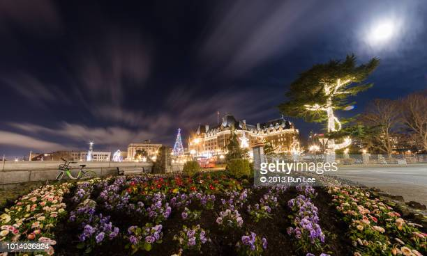 night view of fairmont empress - victoria canada stock pictures, royalty-free photos & images